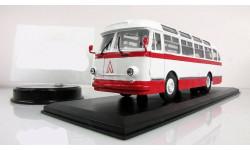 Автобус Лаз 695 Е 1961 красный/белый СССР ClassicBus 1:43, масштабная модель, 1/43