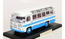 Паз 672 1982 Бело-голубой Двухцветный автобус СССР ClassicBus 1:43 03002В, масштабная модель, 1/43