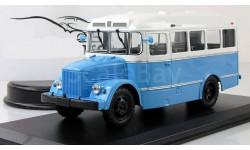 АВТОБУС Кавз 651 1949 Бело-голубой СССР CLASSICBUS 1:43, масштабная модель, 1/43