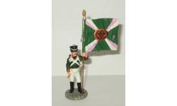 фигурка солдат Знаменосец Симбирского пехотного полка 1812 г. № 29 Наполеоновские войны GE Fabbri 1:32, фигурка, scale32