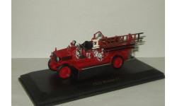 Пожарный автомобиль Maxim C1 1923 Signature 1:43