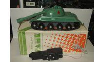 Игрушка Танк Т 34 1941 с пультом ДУ Вторая Мировая война Сделано в СССР 1:18, масштабная модель, scale18