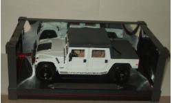 Хаммер Hummer H1 4x4 Белый Maisto 1:18, масштабная модель, 1/18, Maisto-Swarovski