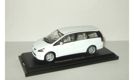 Мицубиси Mitsubishi Grandis 2003 Aoshima / Ebbro 1:43, масштабная модель, 1/43