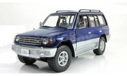 Мицубиси Mitsubishi Pajero Long 3.5 V6 4WD 4x4 Синий Sunstar 1:18 1223