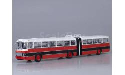 Советский Автобус  Икарус-180 красный