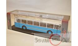 ЗИУ-5 тролейбус от ClASSICBUS бело-синий, масштабная модель, scale43