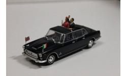 Lancia Flaminia Presidenziale  -  1/43  -  Starline models
