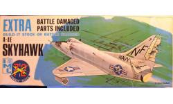 штурмовик A-4E Skyhawk с повреждениями   1:72 IMC, сборные модели авиации, scale72