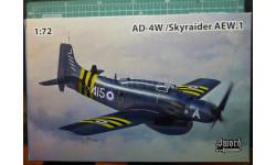 палубный самолет ДРЛО  AD-4W Skyraider  1:72 Sword
