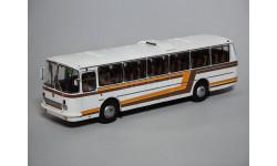 Автобус ЛАЗ-699Р белый с цветными полосами КБ