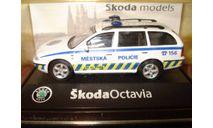 SKODA Octavia Combi Tour - 1996 Policia №2 Abrex 1/72, масштабная модель, scale72, Škoda
