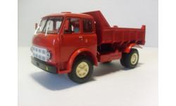 1/43 МАЗ-503А красный 1970 год НАП