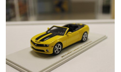 Chevrolet Camaro SS Convertible - 2011 Rally Yellow w/Bk 1:43 LUXURY-COLLECTIBLES, масштабная модель
