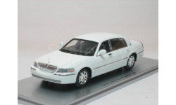 Lincoln Town Car 2012 White Luxury Collectibles