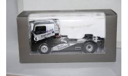 Mercedes-Benz Race Truck №6 Mobil 1 Delvac,Minichamps