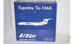 1:200  Tu-134A UTair RA-65127, Phoenix