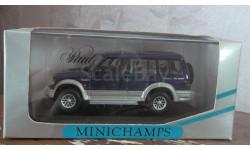 Mitsubishi Pajero  LWB 1994 Minichamps