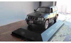 1:43 Nissan Patrol J-Collection