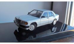 Mercedes-Benz 190 E 2,0  ( Arctic White) AutoArt  1:43