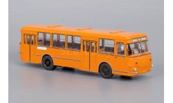 ЛиАЗ-677М оранжевый с запасным колесом 1983 г. Lim. 250 pcs., масштабная модель, 1:43, 1/43, Classicbus