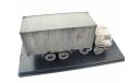 КаМАЗ-53212 с 20-футовым контейнером со следами эксплуатации, масштабная модель, scale43, Автоистория (АИСТ)