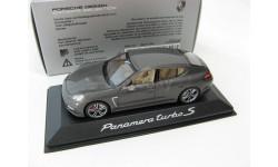 Porsche Panamera turbo S silver gray metallic
