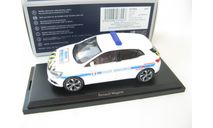 Renault Megane Police Municipale 2016 white with yellow-blue strip, масштабная модель, Norev, scale43