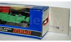 ГАЗ-А зелёный _ 1990-11 _  (Саратов) крылья - МЕТАЛЛ!