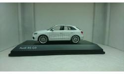 Audi RS Q3 2011 white