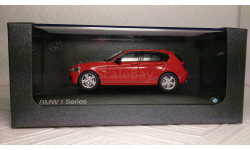 BMW 125i F20 5d Sport Karmesin (red)