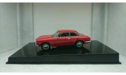 Alfa Romeo 1750 GT Veloce red 1967, редкая масштабная модель, Autoart, scale43