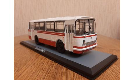 Масштабная модель ЛАЗ-695Н бело-красный, масштабная модель, Classicbus, 1:43, 1/43