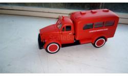 ПАЗ 653 пожарный, штабной SL046, масштабная модель, СарЛаб, 1:43, 1/43