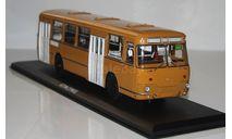 Лиаз-677М охра без надписей.ClassicBus., масштабная модель, scale43