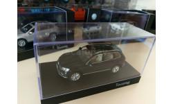 Volkswagen Touareg Typ 7P рестайл 2015 1/43 Herpa