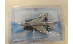 Легендарные самолеты №44 Су-7 1/124
