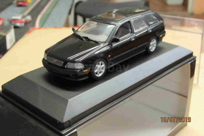 430 171511 Minichamps 1/43 Volvo V40 Break 1996 black