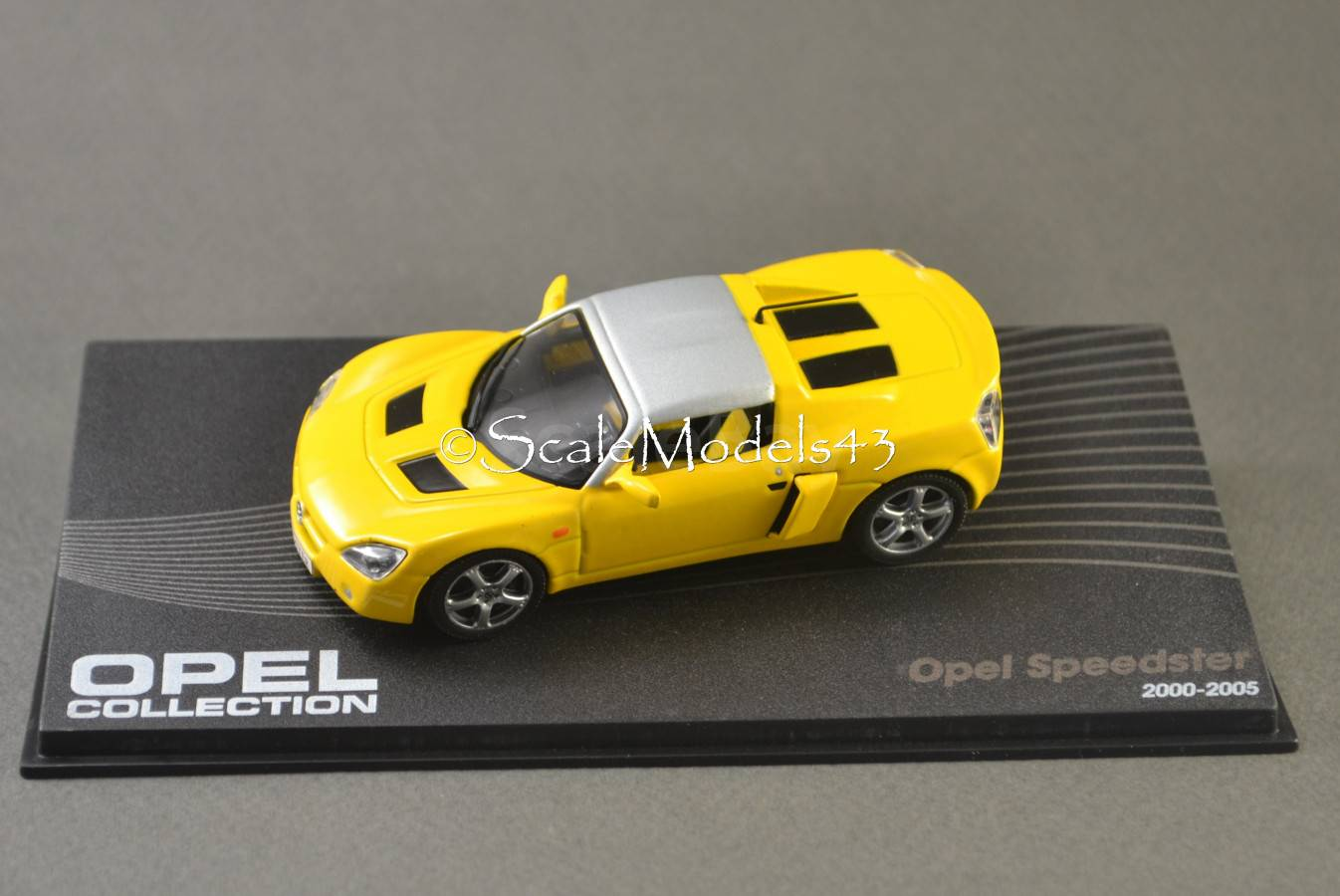 Scale car 1:43 Opel Speedster
