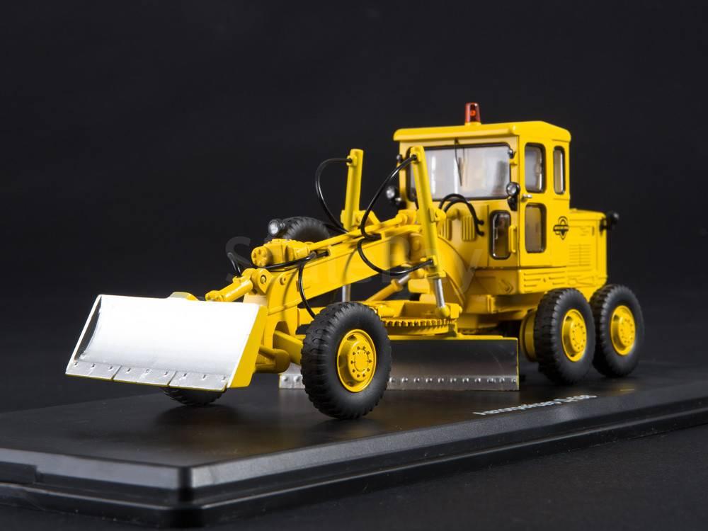Автогрейдер Д-598   Аукцион масштабных и сборных моделей