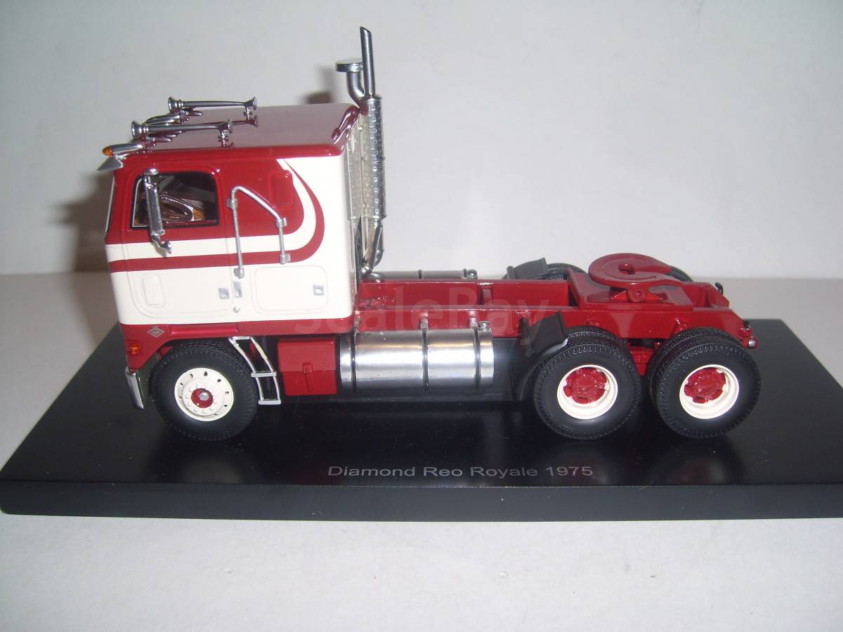 Diamond Reo Royale CO8864D 1975 Neo | Аукцион масштабных и