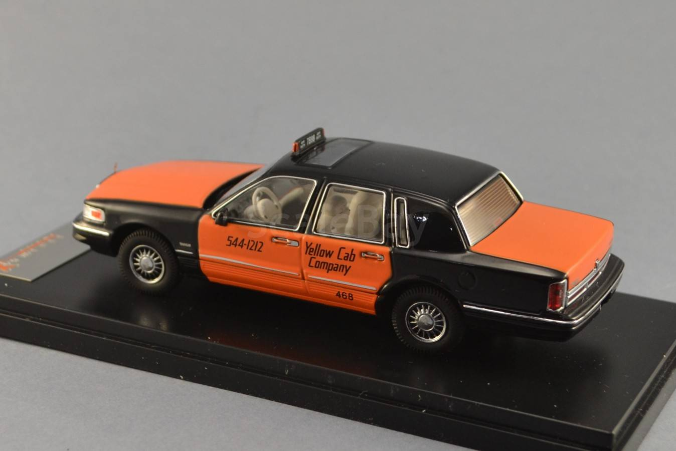 Lincoln Town Car Yellow Cab Company Taxi 143